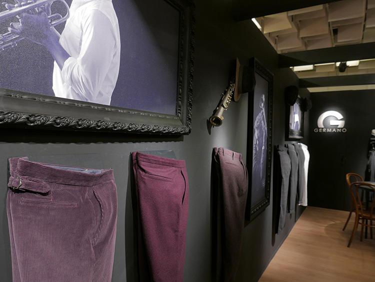 べりー・パープル系の色みも、人気だった。