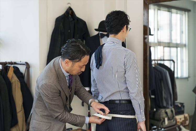 ヒップ回りはジャケットの裾の広がりにも関わる重要なポイント。