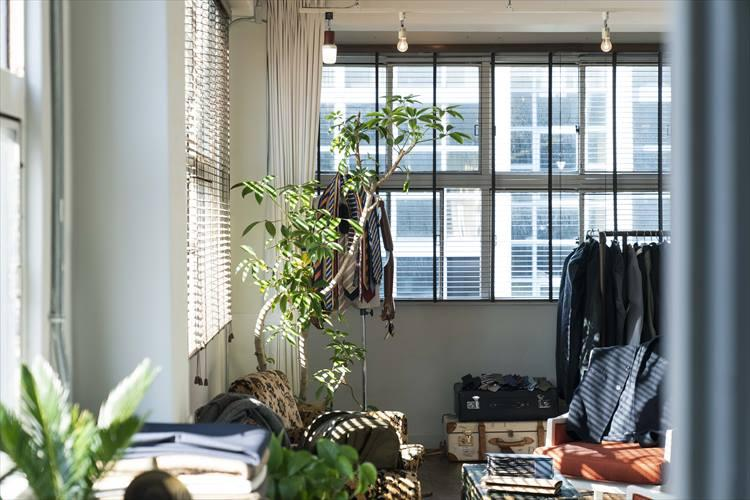 レトロなビルの5階にある齋藤服飾研究所