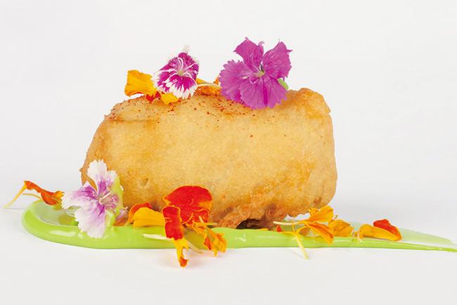 カリカリした食感を楽しめる仔豚の天ぷら。
