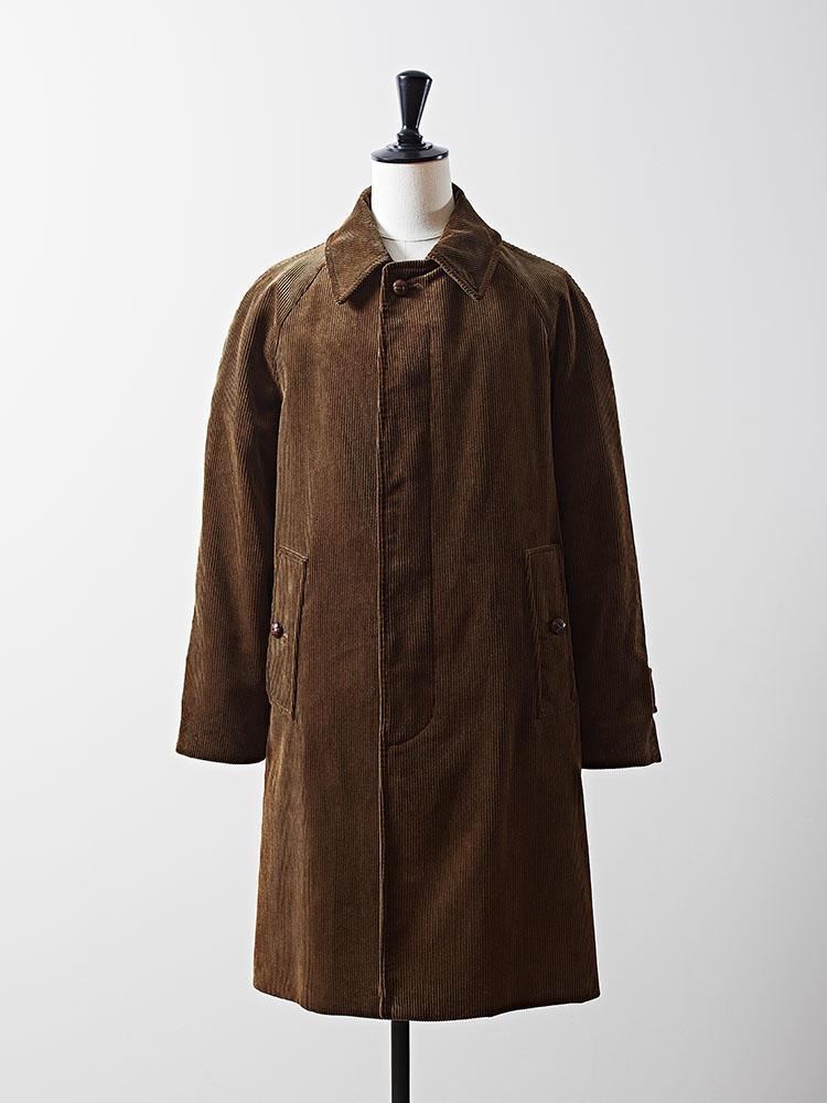 グレンフェルの「エディット ウェアハウス」限定コートは、同ブランドの人気のモデル「Slim Cambell」をコーデュロイで仕立てた。12万3000円