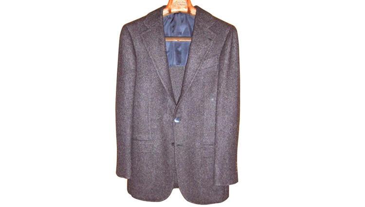 カーディガンを羽織っているようなジャケット【ラ ベラ サルトリア ナポレターナ】