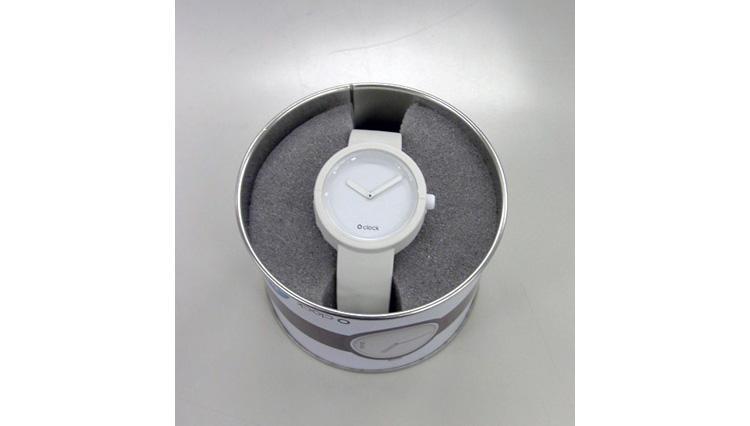 3600円のシリコン時計!【フルスポット】
