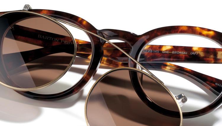 M.E.新・旧メガネ担当のメガネで印象UP大作戦!【メンズマーク/ロッツァ/クリスチャン ロス/バートンペレイラ】
