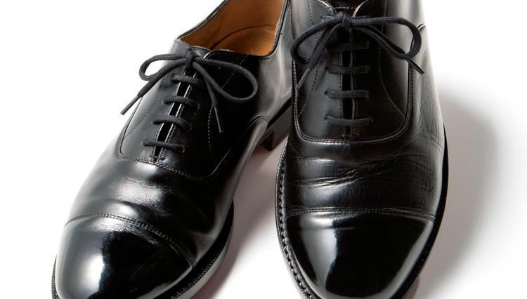 壊れた靴が雰囲気あるエイジドシューズに【ブリフトアッシュ】