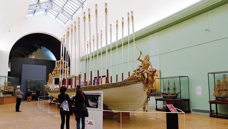 パリの海洋博物館に展示されたブレゲのマリンクロノメーター