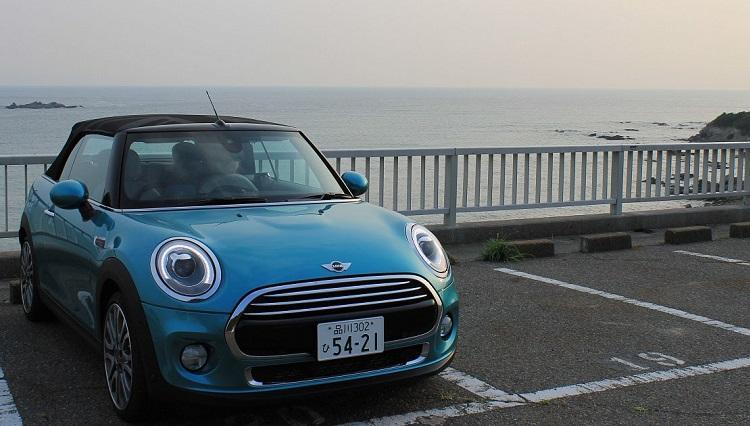 クルマ担当、ミニに乗って海辺へ!【MINI cooper convertible試乗記】