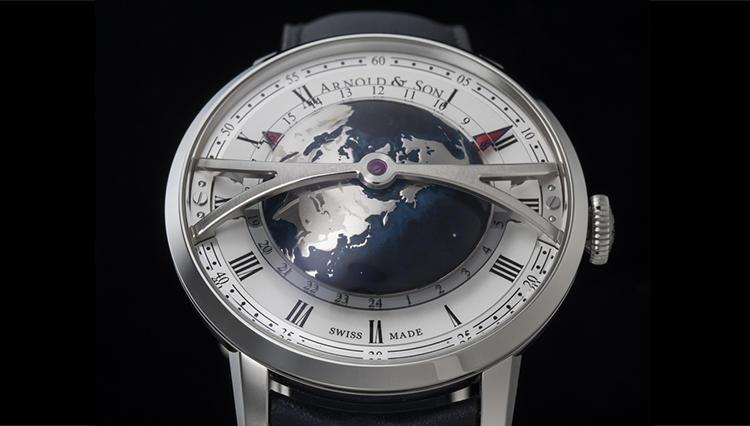 ぷっくり地球儀が回って世界の時を示すアーノルド&サンの独創的ワールドタイマー【BASEL2018新作】