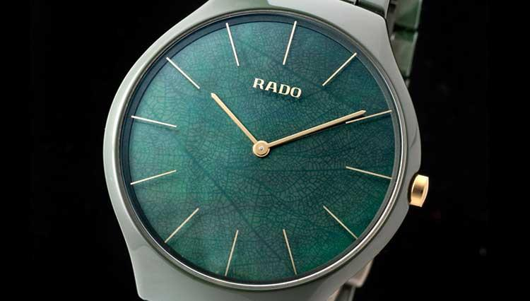 ラドーの超薄型セラミックス時計はマザー・オブ・パールに葉脈を描いた自然派グリーン【BASEL2018新作】