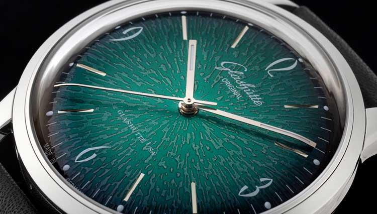 グラスヒュッテ・オリジナルのヴィンテージ3針にド旬のグリーンが登場【BASEL2018新作】