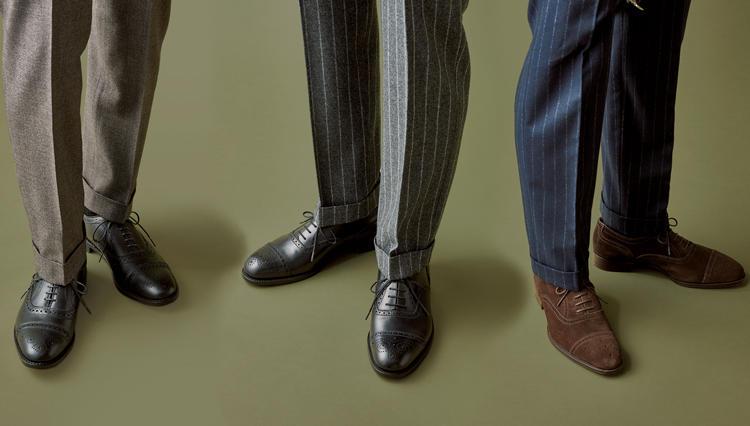"""""""仕事着でひと捻り""""する人の万能靴「スーツ主体ならセミブローグを」【今必要な本格靴決定版。】"""