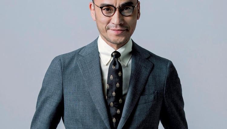 スーツで「歳より若く見せたい」時は、こんな色のシャツを合わせよう