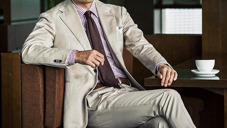 仕事着に柔らかさをプラスするには、こんなネクタイが◎