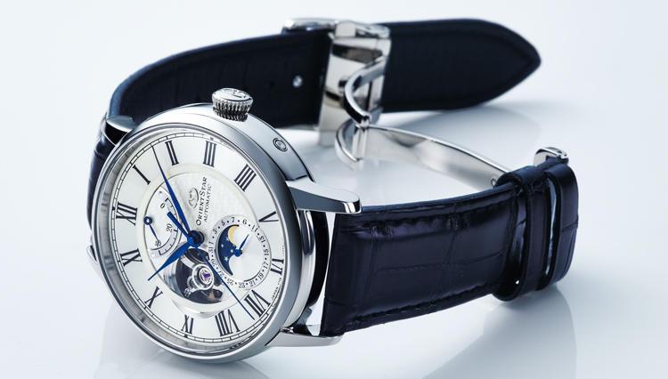 オリエントスターの機械式腕時計、仕事相手の目に留まる新フェイスとは——?