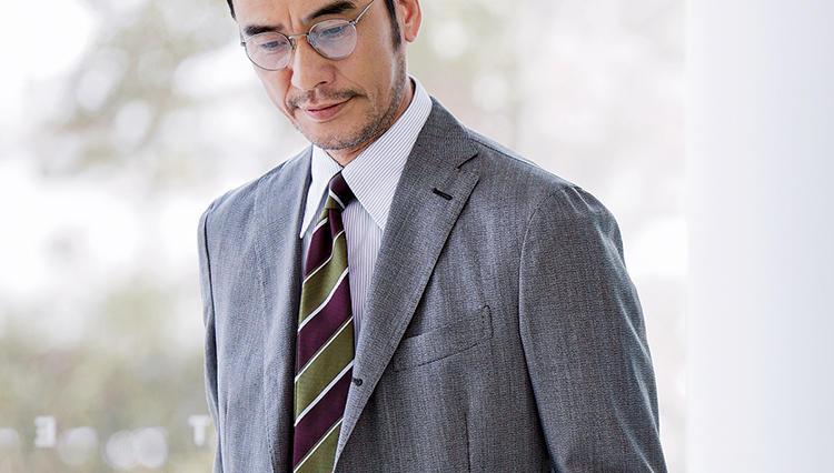 気持ちに余裕を持って仕事するなら、「こんな着心地」のスーツが◎