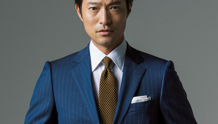 仕事で「リーダーらしさ」を演出したい時は、こんな男前スーツが◎
