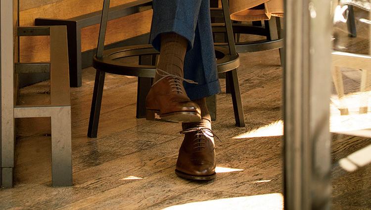 紺スーツに合うのは「エドワード グリーン」のこの色&形!【新時代・3足の勝ち靴】