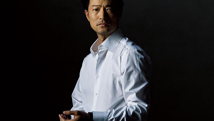 一流の男が着るべき白シャツは、何故「シャルベ」なのか?