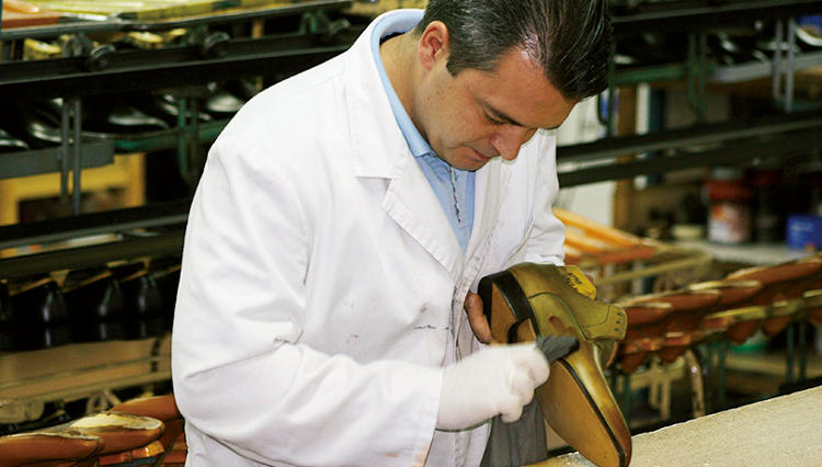 スペイン屈指の高級靴ブランド「マグナーニ」オーダー&ハンドフィニッシュ実演イベントを開催