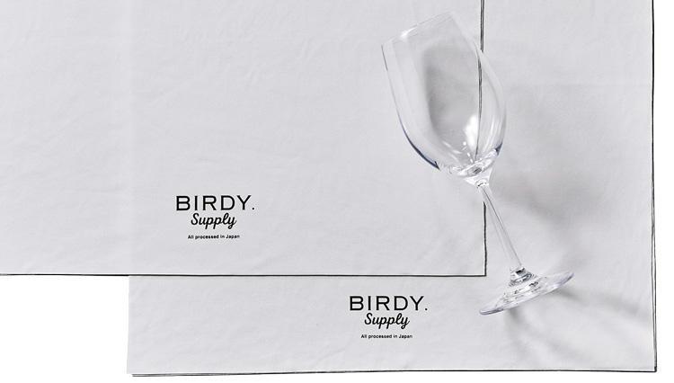 大切なワイングラス、何で拭いていますか? 新素材の専用タオルなら驚くほどぴかぴかに!