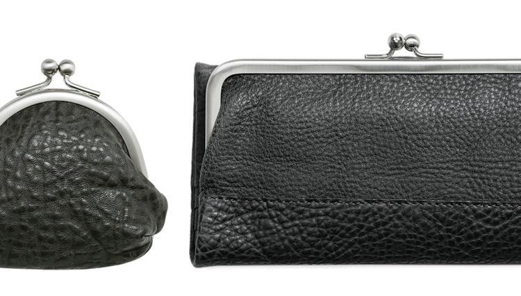 煙突色したクラシカルな土屋鞄の「がま口」財布はいかが?【ひと言ニュース】