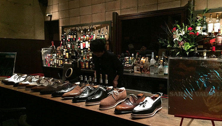 麻布十番のバーカウンターに並んだ靴・靴・靴!【CORTHAY(コルテ)】新作コレクション