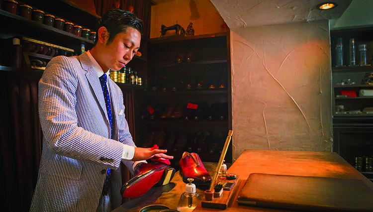 """""""世界一の靴磨き職人""""ブリフトアッシュ長谷川裕也さんに訊く「プロに任せる楽しみ」"""