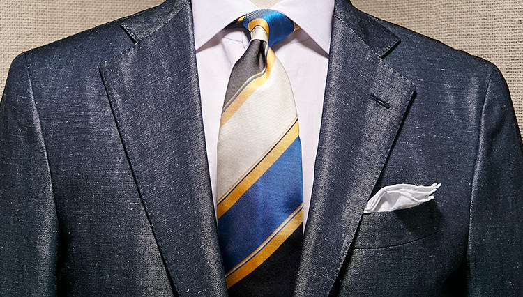 清潔感の演出に効果的なのは「この色」を使うこと!【スーツの着回し1週間チャレンジ!/デ ペトリロ編#5】