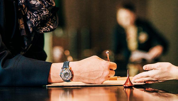 ルイ・ヴィトン、グッチ、ジャガー・ルクルト…旅する男に似合う機械式時計とは?
