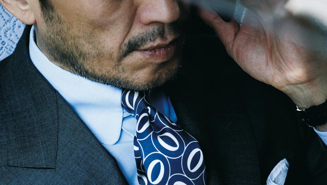 買い足したいのはトラッドな襟のシャツ【木曜・金曜の青シャツ、何着る?】