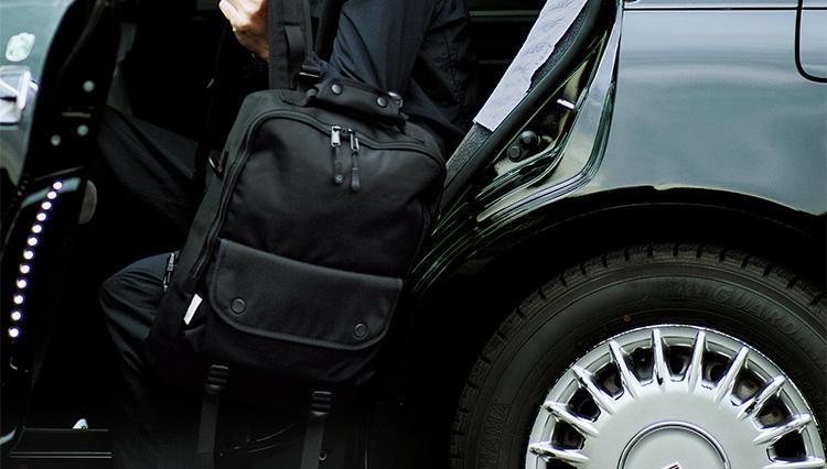 「通勤ナイロンリュック」は「黒か紺」を選ぶのが最低限のビジネスマナー