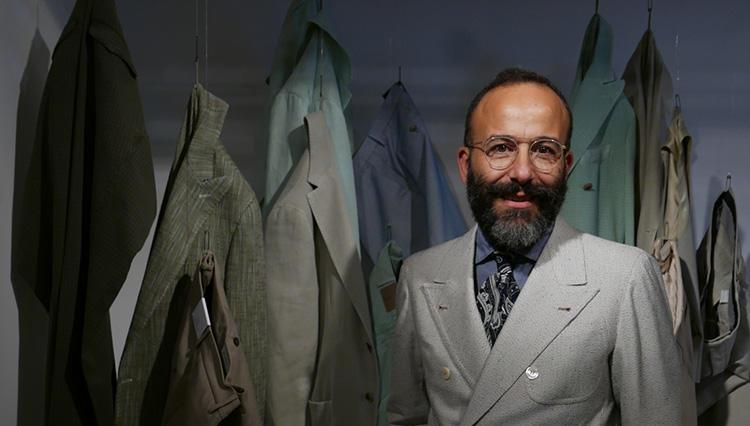 第一印象で勝てる「サンタニエッロ」のジャケット、美しい生地作りの秘密とは?【Pitti 94 Report ♯06】