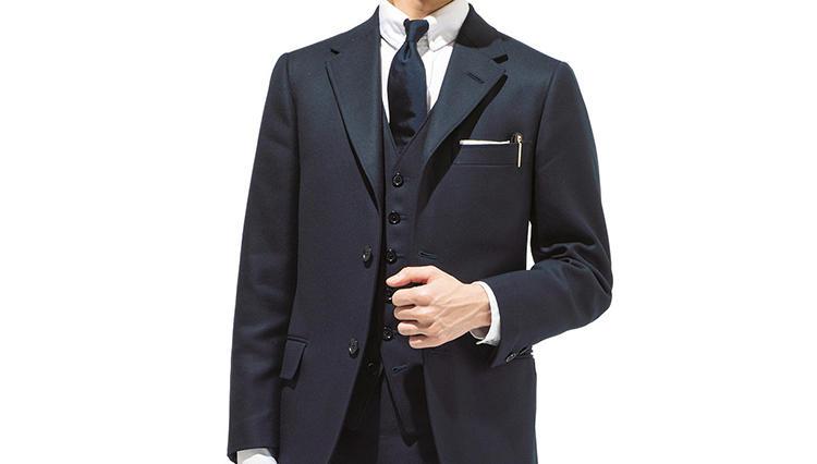シティーマナーに憧れてネイビースーツを着る【ケイド】
