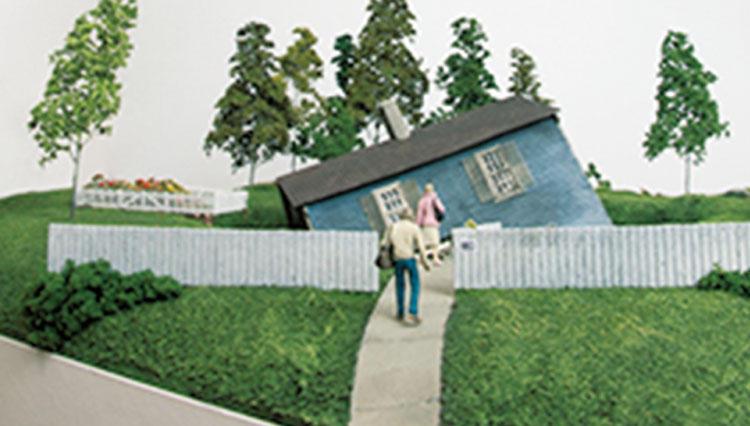 ミニチュア彫刻家トーマス・ドイル、日本初の個展「HOLD YOUR FIRE」が開催に