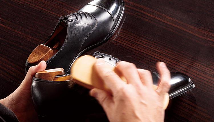 靴磨きって結局、どのタイミングでやればいいの?【究極の靴磨き】