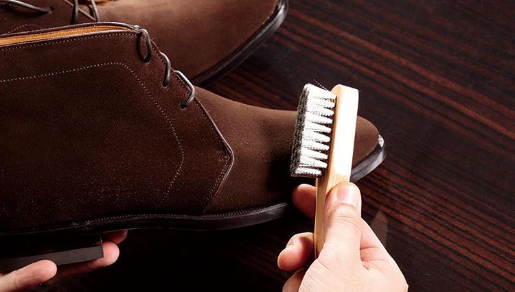 新品のスエード靴をおろすとき、するべきこと知ってる?【究極の靴磨き】