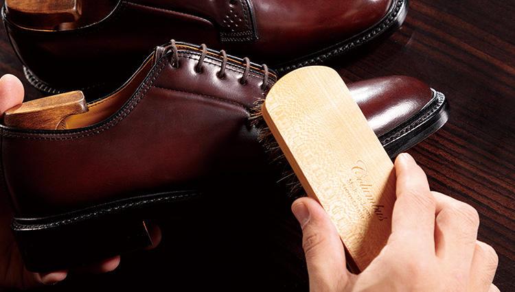 コードバン革の高級靴をおろすときは、プレメンテを忘れずに【究極の靴磨き】