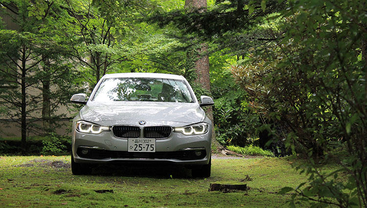 BMWの最新プラグイン・ハイブリッドカーにクルマ担当が乗る【BMW 330e 試乗記】