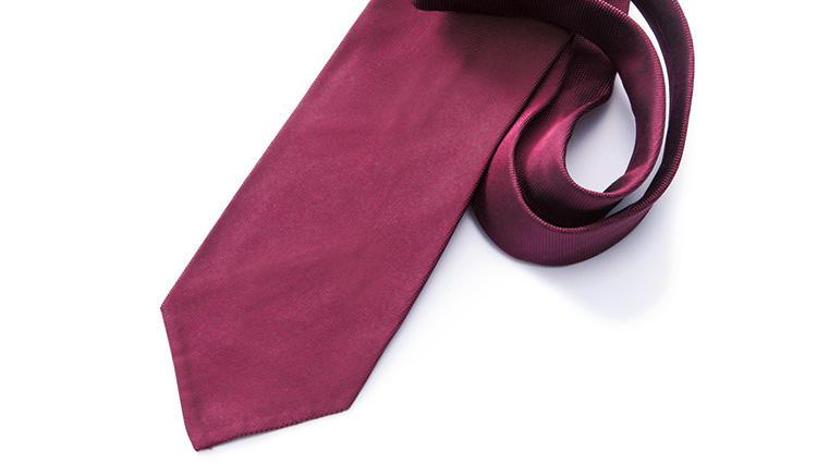 トランプもオバマも実践! 政治家はなぜ赤いタイを締めるのか?