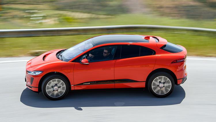 """最新自動車トレンド全部乗せの""""EV""""で""""SUV""""。ジャガー「I-PACE」を試す Part.1"""