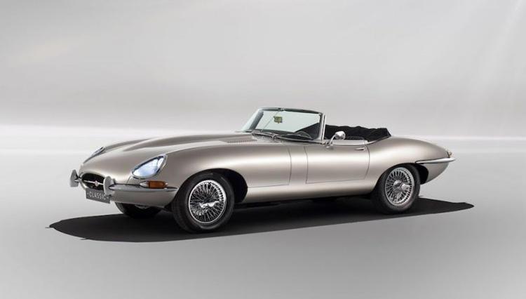 """ジャガー、60年代の歴史的クラシックカーをまさかの電気自動車として""""新""""発売に!"""