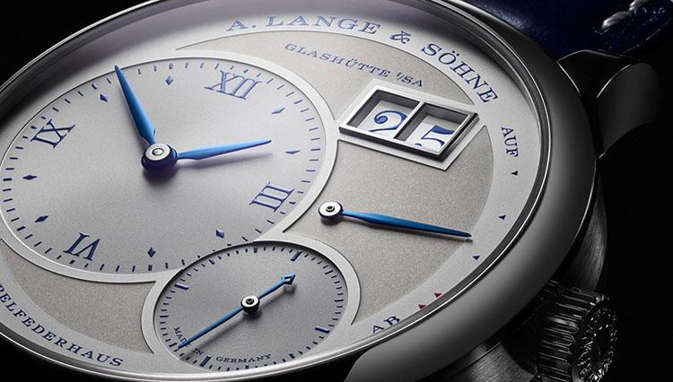 A.ランゲ&ゾーネの傑作「ランゲ1」誕生25周年を祝う、ブルーの限定ウォッチが登場!