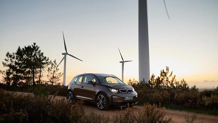 人気車はウェブで先行予約する時代!? BMW i3新型バッテリー搭載車の受付スタート!