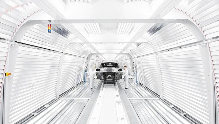 ポルシェ「次のマカンは100%電気自動車にする」と発表