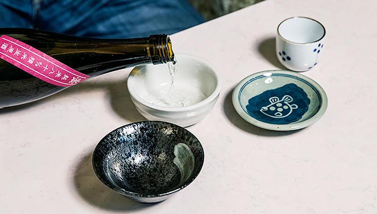 いつものビール、日本酒、ハイボール、缶チューハイ「注ぎ方で味がこんなに違うとは・・!」