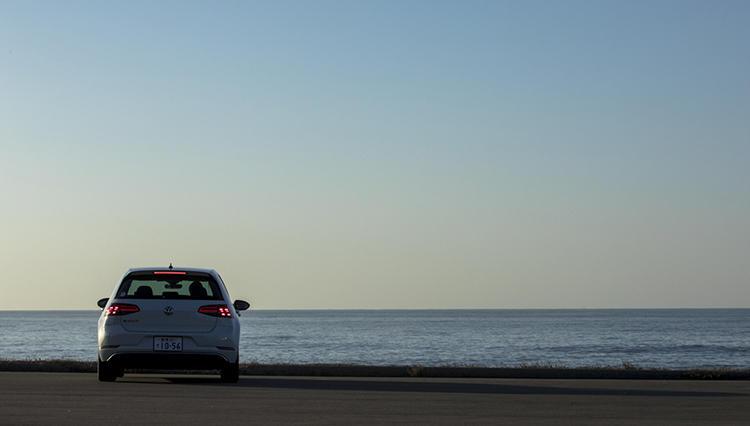 【VW e-GOLF 試乗記】ゴルフの電気自動車、走りの実力はライバルの一歩先を行く