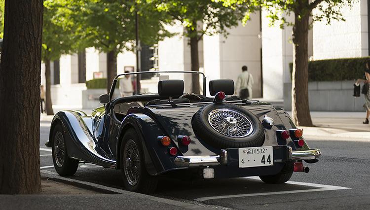 80年前から今も新車で販売される英国クラシックカー「モーガン」に試乗してわかったこと