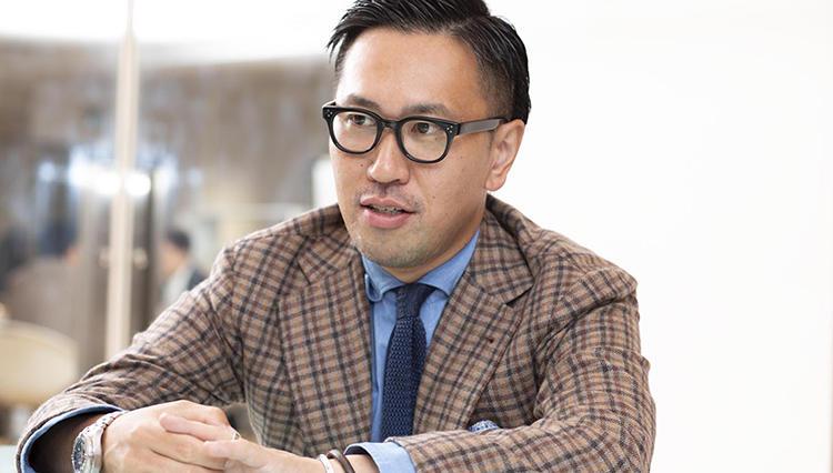 【ファッション履歴書】日本橋三越本店 紳士オーダーバイヤー 鏡 陽介さんの場合