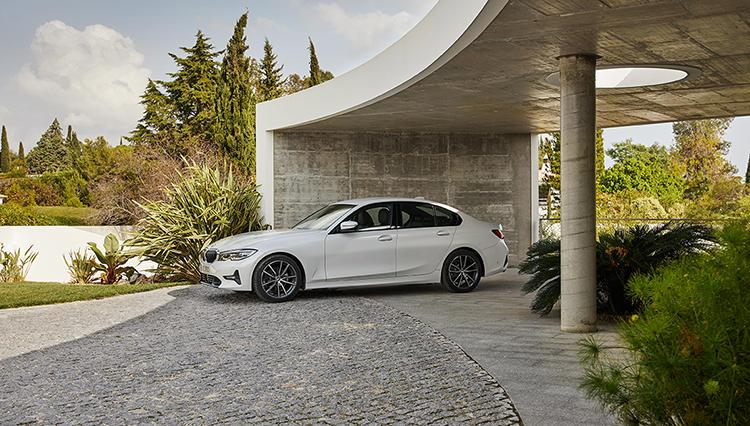 新型BMW3シリーズに試乗、絶品スポーツセダンは「小さな5」にあらず!