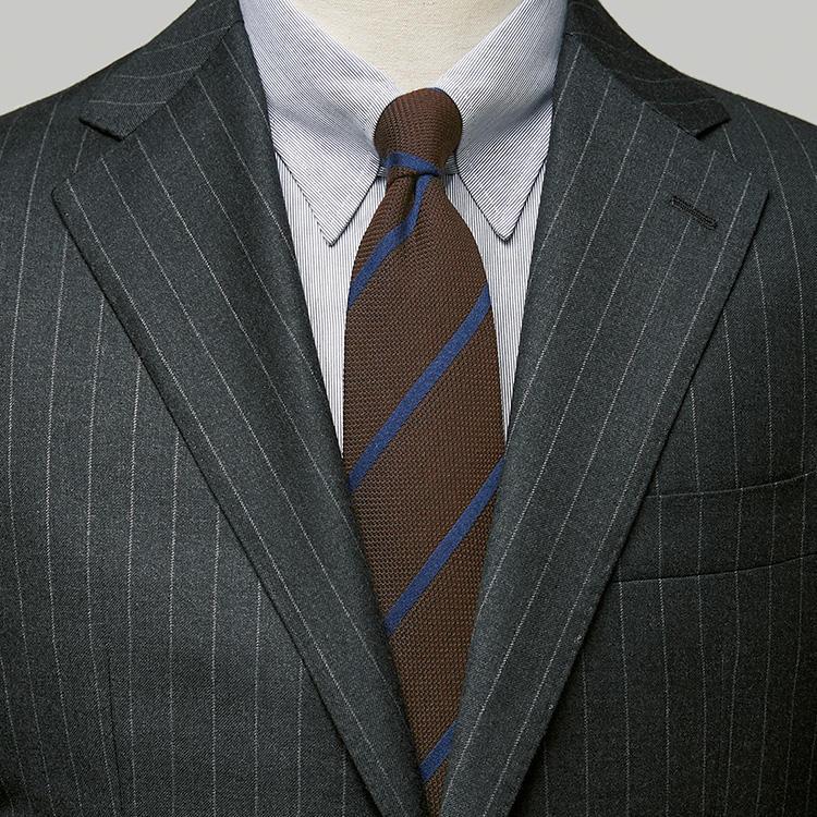 無地シャツ同様に使えるのは「○○ストライプ」のシャツ【1分で出来るスーツのお洒落】